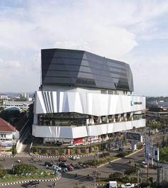 Paragon City - Spark Architects Facade Architecture, Shopping Mall, Marina Bay Sands, Design Design, Design Trends, Opera House, Feature Walls, Asymmetrical Design, City