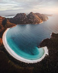 Thinking about a holiday in Tasmania? Let us show you why a Tasmania road trip is the best self-drive holiday in Australia! Places To Travel, Places To See, Travel Destinations, Tasmania Australia, Western Australia, Australia Travel, Tasmania Road Trip, Beautiful World, Beautiful Beach