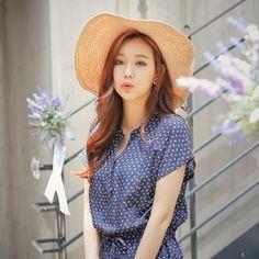 Korea womens shopping mall [styleberry] Raffia Hat wavy lines / Size : FREE / Price : 36.17 USD #korea #vacance #fashion #vacancefashion #hat #style #koreastyle #fashionshop #shopping