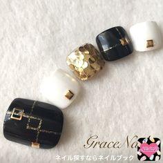 Trendy ideas for gel pedicure black nail art designs Pedicure Colors, Pedicure Designs, Manicure Y Pedicure, Toe Nail Designs, Nail Colors, Cute Toe Nails, Toe Nail Art, Pretty Nails, Black Nail Art