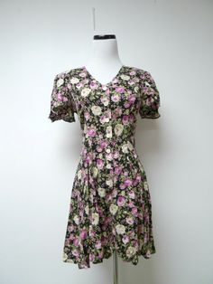 DBY . 80s 90s rose l print romper . size 3 . made in the by june22