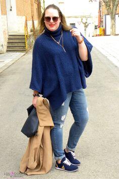 Trendy Curvy Look. SNEAKERS AZUL ALIEXPRESS  #WeAreVioleta #sneakers #aliexpress #azulmarino #look #jeans #violetabymango #abrigocamel #ponchoazul #outfittallagrande #curvy #plussizecurve #personalshopper #curvygirl #loslooksdemiarmario #bloggermadrid #outfit #plussizeblogger #fashionblogger #influencer #trendy #bloggerXL