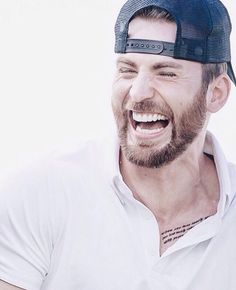 Chris Evans Adorable laugh