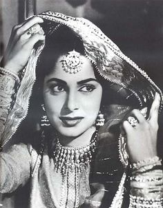 The one and only Waheeda Rehman. Classic beauty. One of my favourite actresses of all time. Still looks stunning at her age. #bollywood | The Maharani Diaries