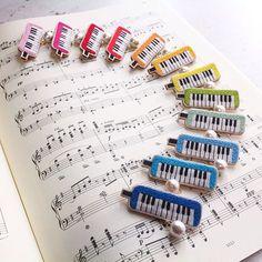 鍵盤ハーモニカの刺繍ブローチ、1ダースできました。 #embroidery #handmade #handembroidery #needlework #ハンドメイド#手刺繍 #刺繍 #ブローチ#brooch #ピアニカ#メロディカ#鍵盤ハーモニカ#keyharmonica #pianica #merodica