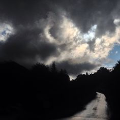#road to #heaven ... äh... #Husen mit #rain und #sun Heaven, Rain, Clouds, Celestial, Sunset, Instagram Posts, Outdoor, Rain Fall, Outdoors
