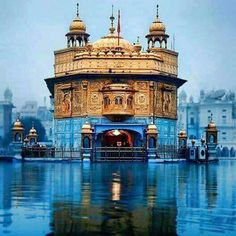"""Amritvele da Hukamnama Sri Darbar Sahib Sri Amritsar, Ang ਸਲੋਕ ਮ: ੩ ॥ ਮਾਣਸੁ ਭਰਿਆ ਆਣਿਆ ਮਾਣਸੁ ਭਰਿਆ ਆਇ ॥ ਜਿਤੁ ਪੀਤੈ ਮਤਿ ਦੂਰਿ ਹੋਇ ਬਰਲੁ ਪਵੈ…"" Guru Nanak Wallpaper, Guru Nanak Ji, Independence Day Background, Harmandir Sahib, Shri Guru Granth Sahib, Golden Temple Amritsar, Guru Pics, Temple India, India Architecture"