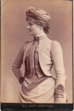 Mary  Anderson (de Navarro) (1859-1940) - American stage actress.