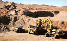 Thats either a 5120 or a 5230 front shovel Mining Equipment, Heavy Equipment, Caterpillar Equipment, Cat Machines, Engin, Old Tractors, Military Equipment, Monster Trucks, Shovel
