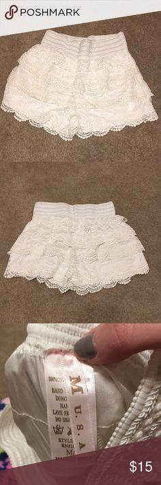 Ivory nice shorts High waist ivory shorts   **Can ship the same day** **Offers are always accepted** Shorts