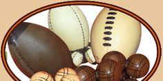 balons de rugby, foot américain et boules de pétanque en chocolat