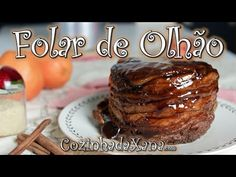 O folar de folhas de Olhão é sem duvida um dos mais populares doces Algarvios  Parece complicado mas é bastante simples de se fazer. Vêm ver como. Baking Business, Portuguese Recipes, Pretzel, Baked Potato, Tapas, French Toast, Banana, Food And Drink, Breakfast