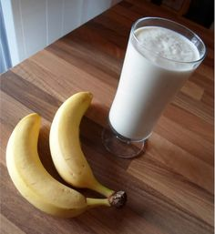 delicious diet shake with banana, nuts and cottage cheese. This protein shake is suitable for . - Fitness Rezepte -A delicious diet shake with banana, nuts and cottage cheese. This protein shake is suitable for . Homemade Protein Shakes, Protein Shake Diet, Best Protein Shakes, Low Carb Protein, Protein Diets, Healthy Protein, Healthy Foods To Eat, Healthy Drinks, Healthy Recipes
