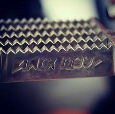 Velkej Von - stylové stupačky na zakázku  #velkejvont #caferacer #motorcycle #motorbike #stupacky #footsteps #blackcloud #customized #original #custom #motorkar #motorkari #motorkapcai_1 #foglar #story #instagood #instadaily #picoftheday  #czechboy #garagelife