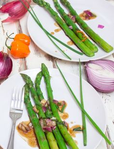 Grilled Asparagus with Garlic-Habanero Sauce http://cookingstoned.tv/recipe/grilled-asparagus-garlic-habanero-sauce/?utm_content=buffer5ec01&utm_medium=social&utm_source=facebook.com&utm_campaign=buffer