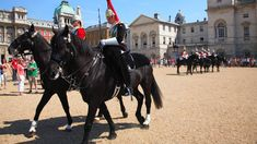 """Two Horse Guards ride outside Buckingham Palace, London. (Only for use with this dpa Illustrated Feature. Photo credit to """"Visit London / dpa"""" mandatory. Buckingham Palace, London Must See, James Tour, Trooping Of The Colour, London In December, Horse Guards Parade, London Travel, Where To Go, Places To Go"""