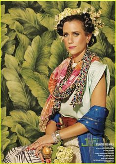 There's something about Kristen Wiig as Frida Kahlo.