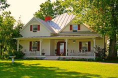 Farmhouses have always been my favorites.