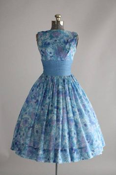 This is the style famously worn in the 50s and 60s with stiff petticoats under it.