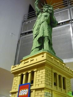 Amazing Lego Creations – My son should be able to do this soon. He's a lego genius :)