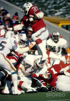 Patriots   Sam Cunningham (39) in action against the Miami Dolphins. Nfl  Football 1659dbd35