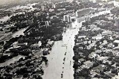 Av Agamenon Magalhães, na enchente de 1878.