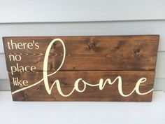 There's no place like home sign, wood sign, hand painted, home decor - Wood Letters Diy Wood Signs, Vinyl Signs, Rustic Wood Signs, Pallet Signs, Small Wood Projects, Projects To Try, New Home Quotes, Have A Happy Holiday, Silhouette Sign