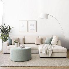 Living Room Grey, Home Living Room, Living Room Decor, Home Room Design, Living Room Designs, Sofa Gris, Japanese Home Decor, Living Room Inspiration, Home Decor Furniture