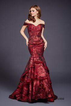 Dress like a star with a Jovani evening dress. Turn heads at your next formal event. of gorgeous evening gowns. - Page 3 Jovani Dresses, Prom Dresses, Pretty Dresses, Beautiful Dresses, Fabulous Dresses, Red Wedding Gowns, Fall Bridesmaid Dresses, Bridesmaids, Wedding Dress Accessories