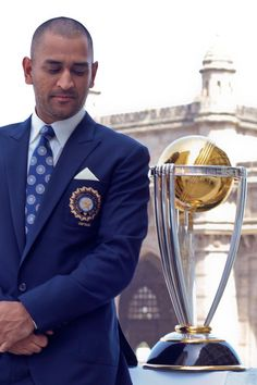 6 workplace lessons from Mahendra Singh Dhoni  - HitFull.com