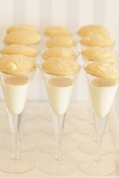 cookies and cream in champagne glasses