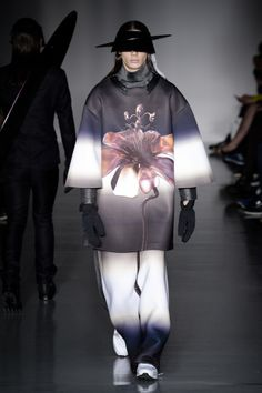 LONDON COLLECTIONS: MEN | AUTUMN WINTER 2014 2015 | KAY KWOK  --   Cosmic Chic ..   --   courtesy of GoRunway.com