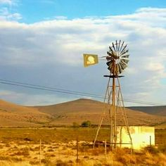 In die Karoo Landscape Photos, Landscape Paintings, Landscape Photography, Watercolor Paintings, Farm Windmill, Windmill Art, Places To Travel, Places To Visit, Old Windmills