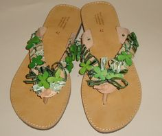 Leather sandals hand-decorated with green wooden butterflies
