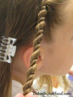 Uneven Rope/Twist Braid Style & Video - Babes In Hairland Princess Hairstyles, Teen Hairstyles, Twist Hairstyles, School Hairstyles, Little Girl Hairdos, Girls Hairdos, Rope Twist Braids, Toddler Braids, Diy 2019