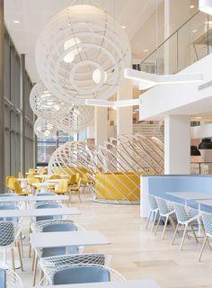 Великолепный дизайн ресторана в светлых тонах