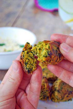 Crujientes por fuera y suaves por dentro, deliciosos, nutritivos, fáciles y rápidos de hacer, estos kofta de garbanzo lo tiene absolutamente todo.