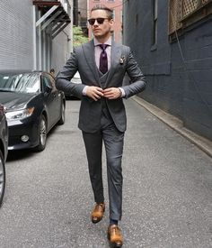 Formal looks are no more boring. Here are 5 suits that will make sure you look on point and leave a long lasting impression at work! #menssuitscharcoal