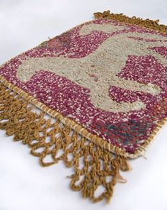 Antique Samplers, Hooked Rugs, Quilts, Coverlets, Early Bags, Penny Rugs, Stumpwork, American Textiles For Sale