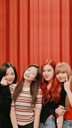 Check out Blackpink @ Iomoio K Pop, Kpop Girl Groups, Korean Girl Groups, Kpop Girls, Blackpink Video, Foto E Video, Blackpink Youtube, Blackpink Poster, Images Gif