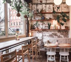 Restaurant, Cafe and Bars Archives Coffee House Cafe, Cozy Coffee Shop, Small Coffee Shop, Coffee Coffee, Coffee House Decor, Coffee Dripper, Coffee Store, Morning Coffee, Best Coffee Shop
