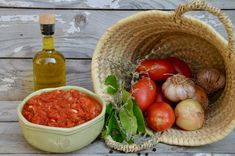 Paradajková omáčka San Marzano | Recepty.sk Ketchup, Marzano, Serving Bowls, Pasta, Healthy Recipes, Vegetables, Cooking, Tableware, Food