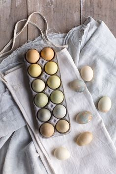Natural Tea Dyed Easter Eggs | Say Yes | Bloglovin'
