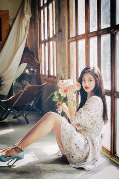 milkcocoa(MT) daily 2018 feminine & classy look - Her Crochet Asian Fashion, Look Fashion, Girl Fashion, Cute Korean Girl, Cute Asian Girls, Beauty Full Girl, Beauty Women, Korean Beauty, Asian Beauty