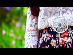 How to Make a Dreamcatcher Necklace DIY    Crea un atrapasueños es muy facil!