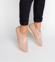 Rollie Derby Punch in Chalk Pink: Ultra-light and comfortable pastel perforated lace-up flat shoes. Pink Punch, Buy Shoes Online, Travel Shoes, Perfect Pink, Pink Shoes, Pink Leather, Comfortable Shoes, Designer Shoes, Derby