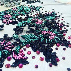 #handmade #bead #broidery #beadwork #embroidery #design #вышивкабисером #курс #fashion #вышивка #viwivka #мода #дизайн #kurs #handwork #followme #instafashion