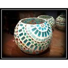 Resultado de imagen para BANDEJAS EN MOSAIQUISMO Mosaic Vase, Mosaic Tiles, Mason Jar Candle Holders, Mason Jars, Funky Mirrors, Mosaic Bowling Ball, Mosaic Garden, Mosaic Crafts, Mosaic Patterns