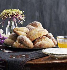 Luumupusut | Leivonta, Juhli ja nauti, Makea leivonta | Soppa365 Tasty Pastry, Food Photography, French Toast, Sweet Treats, Sweets, Bread, Baking, Breakfast, Christmas