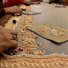 Artisans at work ! Zardosi Embroidery, Tambour Embroidery, Bead Embroidery Patterns, Embroidery Suits Design, Hand Work Embroidery, Couture Embroidery, Gold Embroidery, Embroidery Fashion, Hand Embroidery Designs